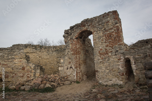 Foto op Canvas Rudnes ruins of medieval castle