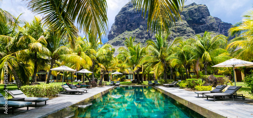 Obraz Luxury tropical vacation.Spa swimming pool, Mauritius island - fototapety do salonu