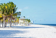 Beautiful Crandon Park Beach L...