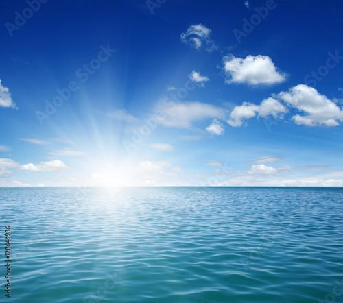 Poster Zee / Oceaan Blue sea and sun