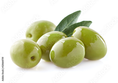 Green olives with leaf Canvas-taulu