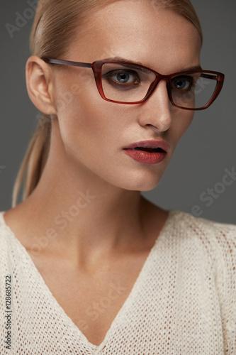 812f6219d1 Woman In Fashion Glasses. Beautiful Female In Stylish Eyeglasses ...