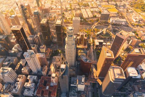 Fototapeta Los Angeles wiezowce-los-angeles-z-perspektywy-lecacego-samolotu