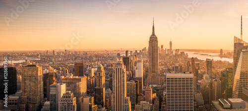 Obraz New York City skyline panorama at sunset - fototapety do salonu