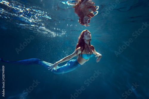 Keuken foto achterwand Zeemeermin Freediver girl with mermaid tale