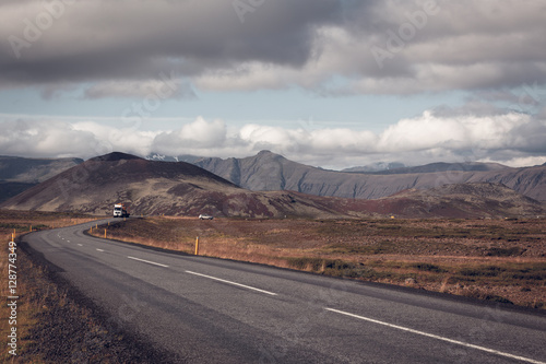 Photo Stands Eggplant Endless Icelandic Highway