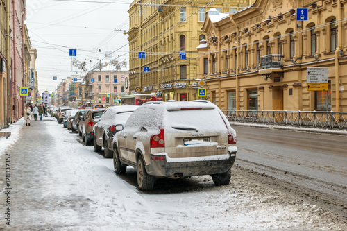 Türaufkleber Autos aus Kuba RUSSIA, SAINT-PETERSBURG - November, 2016: the Petrograd side of St. Petersburg in winter