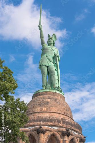 Zdjęcie XXL Pomnik Hermanna w Lesie Teutoburskim w Niemczech.