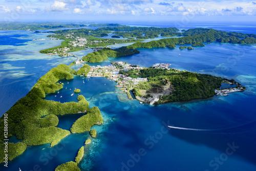 Obraz na plátně  Full view of Palau Malakal Island and Koror - World heritage sit