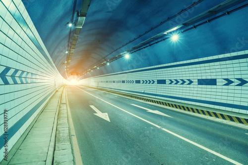 Papiers peints Tunnel modern road tunnel