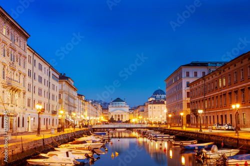 Photo Stands Las Vegas Trieste, the Grand Canal. Italy