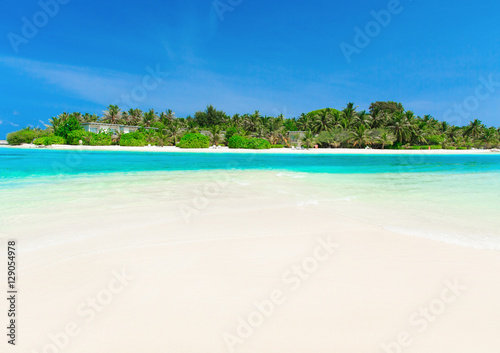 Photo Stands Turquoise sea in Maldives