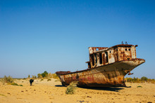 Old Rustic Boats And Ships In ...