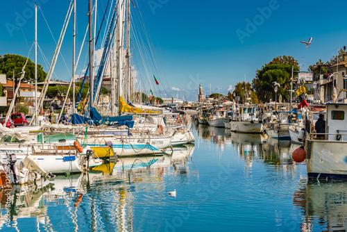 Obraz na plátne  boats in port channel