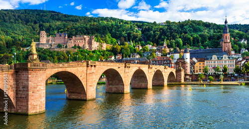 Montage in der Fensternische Brücken medieval Heidelberg - view of famous Karl Theodor bridge and castle