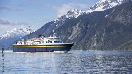 Poster Antarctique Alaskan ferry in summer