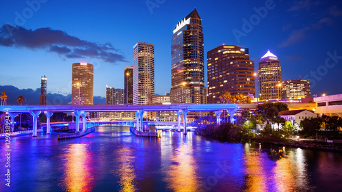 Obraz Downtown Tampa, Florida City Skyline at Night - Cityscape (logos blurred for commercial use) - fototapety do salonu