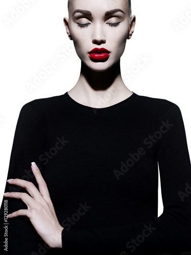Recess Fitting womenART Elegant woman in geometric black and white background
