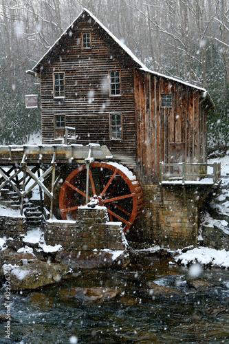 Valokuva  Old Mill Winter
