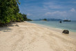 einsamer Sandstrand in Thailand