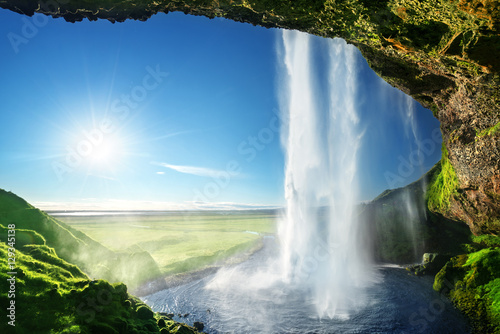 Poster Watervallen Seljalandfoss waterfall in summer time, Iceland