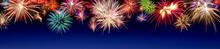Buntes Feuerwerk Im Panorama Format, Mit Textfreiraum Auf Blau