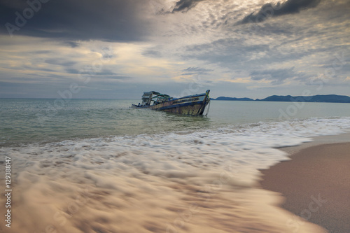 фотография  sea scape of wreck