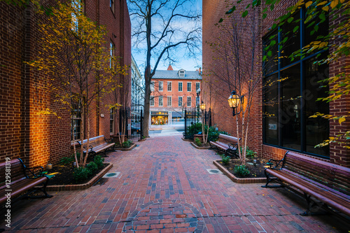 Steinman Park, in downtown Lancaster, Pennsylvania. Canvas-taulu