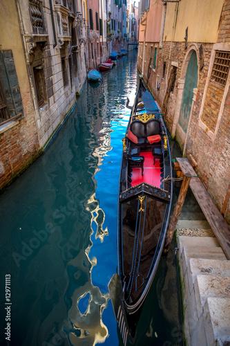 Spoed Foto op Canvas Gondolas Gondola and canals in Venice, Italy