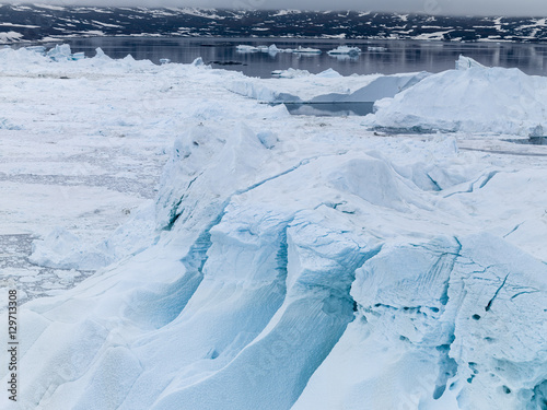 Poster Glaciers glaciers are melting on arctic ocean in Greenland
