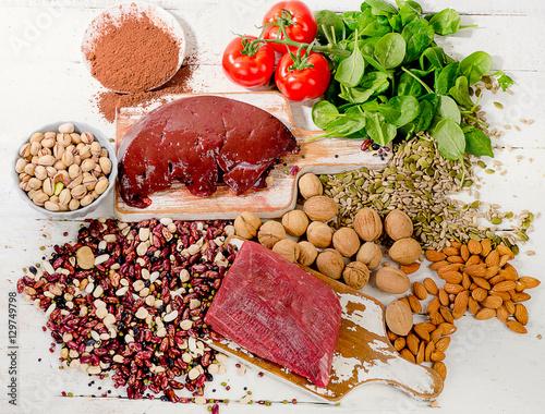 Keuken foto achterwand Assortiment Foods containing iron. Healthy diet concept.