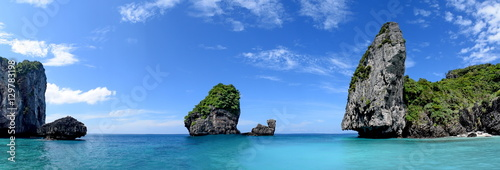 Tuinposter Eiland Phi-Phi island panorama.