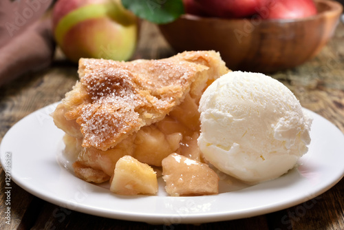 Photo  Piece of apple pie