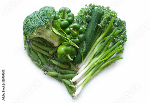 Staande foto Groenten Heart shape green vegetables