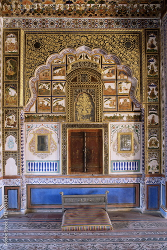 Foto op Plexiglas Wand Painted wall and raised plaster work which has been gilded, Mehrangarh Fort, Jodhpur, Rajasthan state, India, Asia