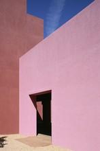 The College Of Santa Fe Visual Arts Center, Pink Wall Of The Thaw Art History Center, The Work Of Mexican Architect Ricardo Legorreta, Santa Fe, New Mexico