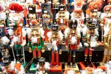 Christmas Toys And Tree Decora...