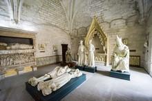 Statues, Sacristy, Palais Des ...