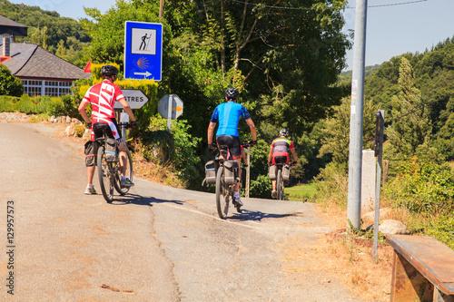 Foto op Plexiglas Fietsen Pilgrimn bikers along the way of St. James