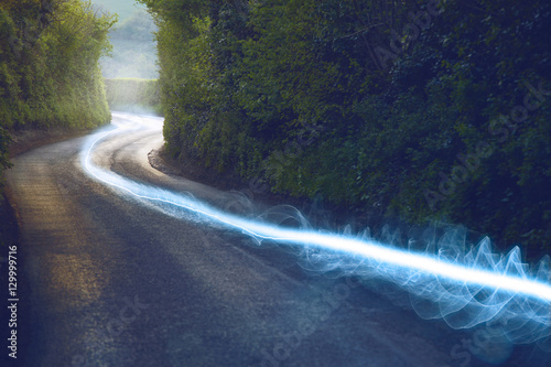 Fotografía  Fiber optic cable running above ground in the British Countryside