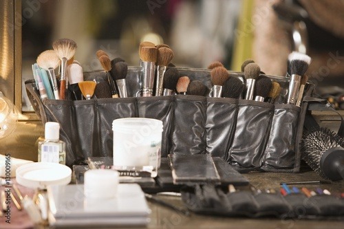 Photo  Professional cosmetics brushes on dressing table