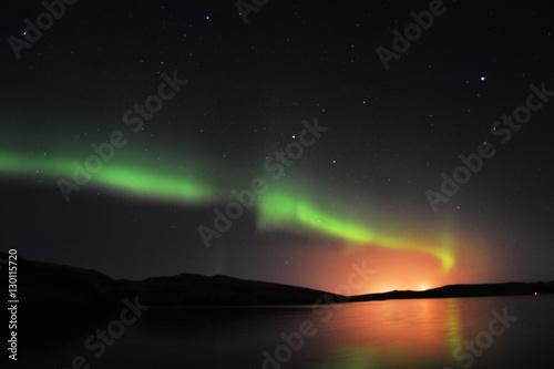 Foto auf Gartenposter Nordlicht Northern Lights and stars on Shetland Islands