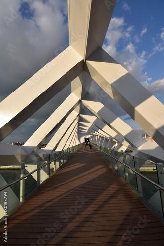 Photo  Walking Bridge at the  new Dubai Canal, U.A.E
