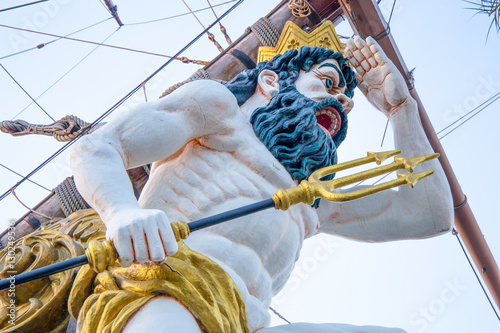 Close up of figurehead on Pirate Ship Fotobehang