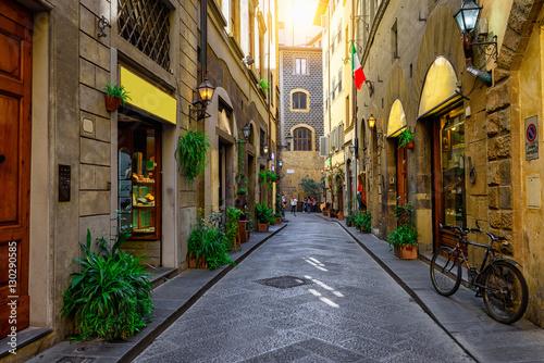 Plakat Wąska przytulna ulica w Florencja, Tuscany. Włochy