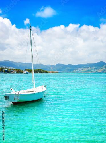 Spoed Foto op Canvas Turkoois Sailboat in a sea