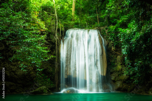 Foto op Plexiglas Watervallen Erawan waterfall, the beautiful waterfall in forest at Erawan National Park - A beautiful waterfall on the River Kwai. Kanchanaburi, Thailand