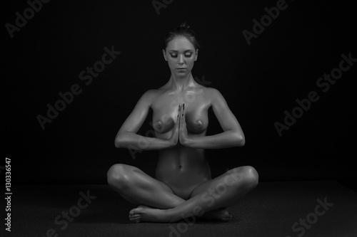 Sexy young girl posing nude