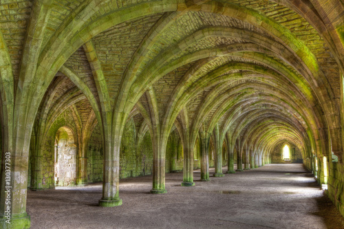 Fotografiet The Cellarium, Fountains Abbey, UNESCO World Heritage Site, North Yorkshire, Yor