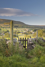 A Footpath Signpost And Gate Leading To Hawes Village In Wensleydale, The Yorkshire Dales, Yorkshire